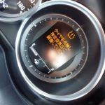 突然の警告音!タイヤ空気圧の異常!?空気圧が低いの!?